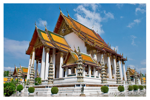 Wat Suthat Bangkok. Explore the best temples in Thailand. Travel to Sacred Pl...